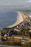 La plage de Chesil, vue de Portland Bill Photo stock