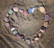 La plage de coeur lapide l'amour de cailloux Images libres de droits