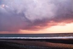La plage de coucher du soleil Images stock