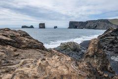 La plage noire photographie stock