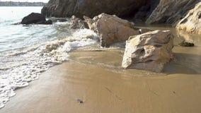 La plage ondule 4K banque de vidéos