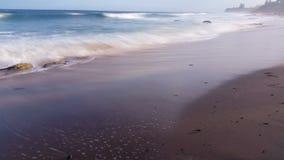 La plage ondule le paysage marin rêveur d'océan banque de vidéos
