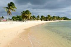 La plage sablonneuse a appelé Playa Giron sur le Cuba Photographie stock