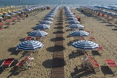 La plage sablonneuse de Viareggio Photos libres de droits