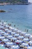 La plage sur la côte Italie d'Amalfi Photos libres de droits