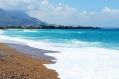 La plage sur la mer ionienne à l'hôtel de luxe Photographie stock
