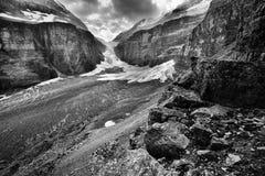 La plaine des six parcs nationaux de Banff de glaciers photographie stock