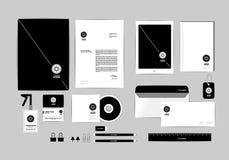 La plantilla de la identidad corporativa para su negocio incluye la cubierta CD, tarjeta de visita, carpeta, regla, sobre y la ca Imagen de archivo