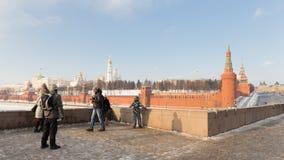 La plataforma de observación en el puente grande Moskva Foto de archivo