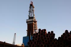 La plataforma de perforación a perforar para el petróleo y gas Imágenes de archivo libres de regalías