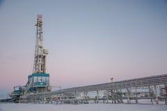 La plataforma de perforación a perforar para el petróleo y gas Fotos de archivo libres de regalías