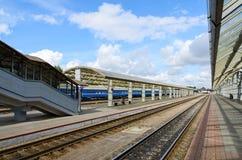 La plataforma del ferrocarril, Vitebsk, Bielorrusia Imagenes de archivo