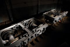 La plataforma ferroviaria, un objeto expuesto del cuarto bienni industrial Foto de archivo