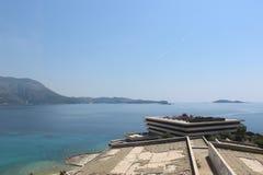 La playa Croacia, hotel de Kupari arruina el tejado Imagen de archivo