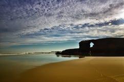 La playa de las catedrales es una de las playas más hermosas de España, localizado en Galicia en el norte de España fotos de archivo libres de regalías