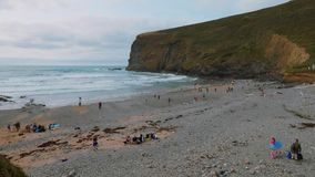 La playa del asilo Cornualles de Crackington metrajes