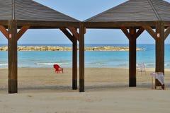 La playa del mar Mediterráneo, el principio de los mares Fotos de archivo libres de regalías