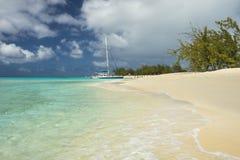 La playa, el turco magnífico, los turcos y Caicos del gobernador, del Caribe Fotografía de archivo