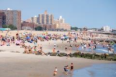 La playa en Coney Island en New York City Imagenes de archivo