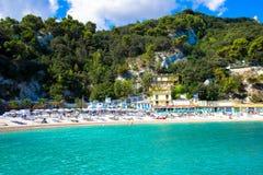 La playa en el mar adriático en Sirolo, Marche, Italia Fotos de archivo