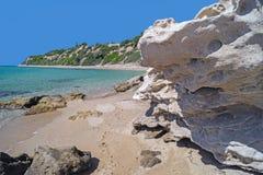 La playa famosa en la península de Halkidiki Imagen de archivo libre de regalías