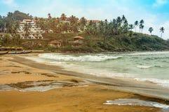La playa hermosa de Kovalam de Kerala, la India del sur imagenes de archivo