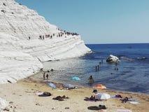 La playa italiana en Sicilia llamó turchi del dei del scala Foto de archivo