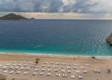 La playa maravillosa del distrito de Fethiye, Turquía meridional fotografía de archivo libre de regalías