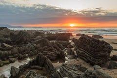 La playa maravillosa y peculiar de Barrika Fotos de archivo libres de regalías