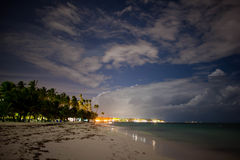 La playa por la tarde foto de archivo