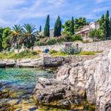 La playa soleada de Croacia Imagen de archivo libre de regalías