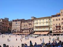 La plaza del Campo, el cuadrado primero de la tierra de Siena en Italia Imagen de archivo