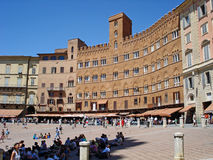 La plaza del Campo, el cuadrado primero de la tierra de Siena en Italia fotografía de archivo