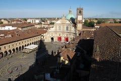 La plaza Ducale y catedral de Vigevano en Vigevano, Italia foto de archivo libre de regalías