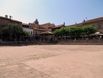 La plaza principal del alcalde de la plaza, pueblo español, imagen de archivo libre de regalías
