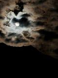 La pleine lune opacifie le ciel Images libres de droits