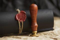 La pluma y el sello públicos del ` s del notario en el testamento y el último lo van a hacer Herramientas del notario público foto de archivo libre de regalías