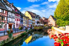 La plupart des beaux villages traditionnels des Frances, Colmar en Alsace photo libre de droits