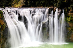 La plus grande cascade à Taïpeh, Taïwan Image libre de droits