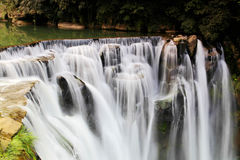 La plus grande cascade à Taïpeh, Taïwan Photos stock
