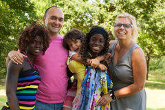 La plus grande famille muticultural Image libre de droits