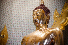 La plus grande image d'or pure de Bouddha dans le livre de Guinness du monde Photographie stock libre de droits