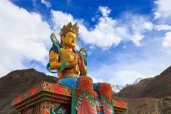 La plus grande statue de Maitreya Bouddha Image stock