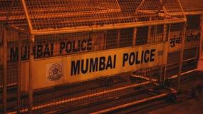La policía de Bombay cerca fotografía de archivo