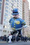 La policía departmen el globo en el desfile de Macy Imagenes de archivo
