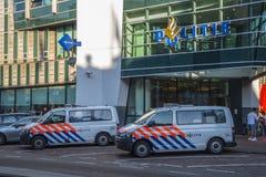 La policía establece jefatura en la ciudad de Amsterdam Imágenes de archivo libres de regalías
