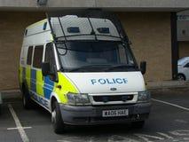 La policía se amotina la furgoneta Fotos de archivo