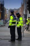 La policía se atrinchera Fotografía de archivo libre de regalías