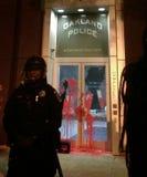 La policía negra de la materia de las vidas protesta Imagenes de archivo