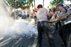 La police a éteint le feu photo stock